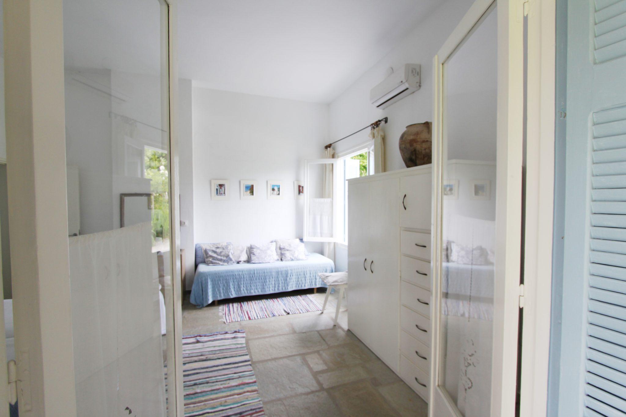 Garden Cottage bedroom 1