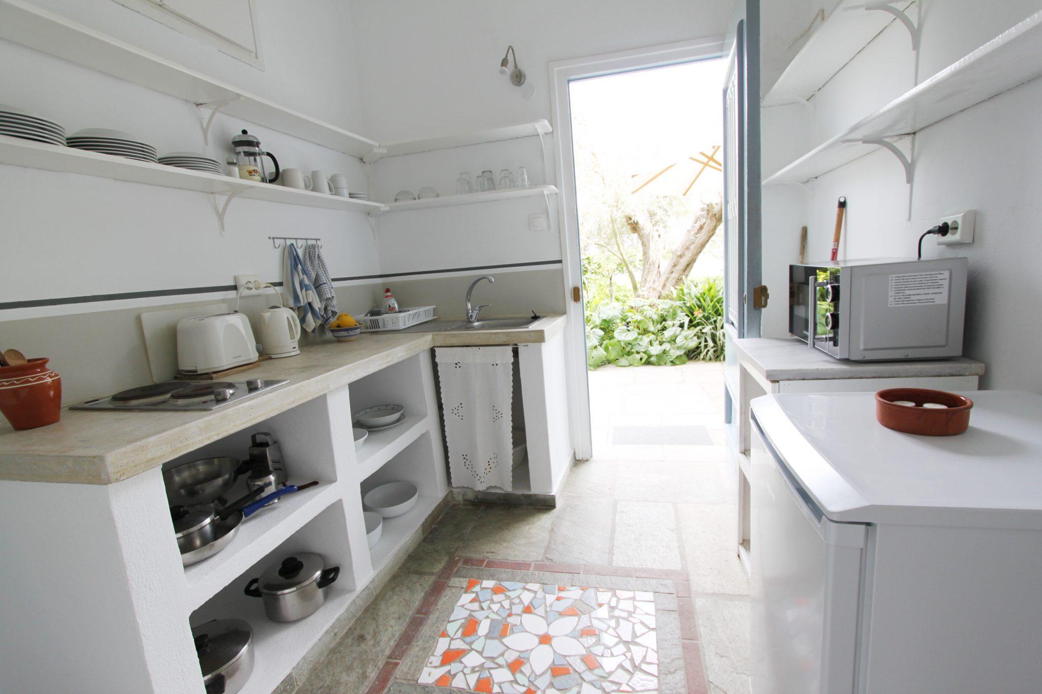 Garden Cottage kitchen 4