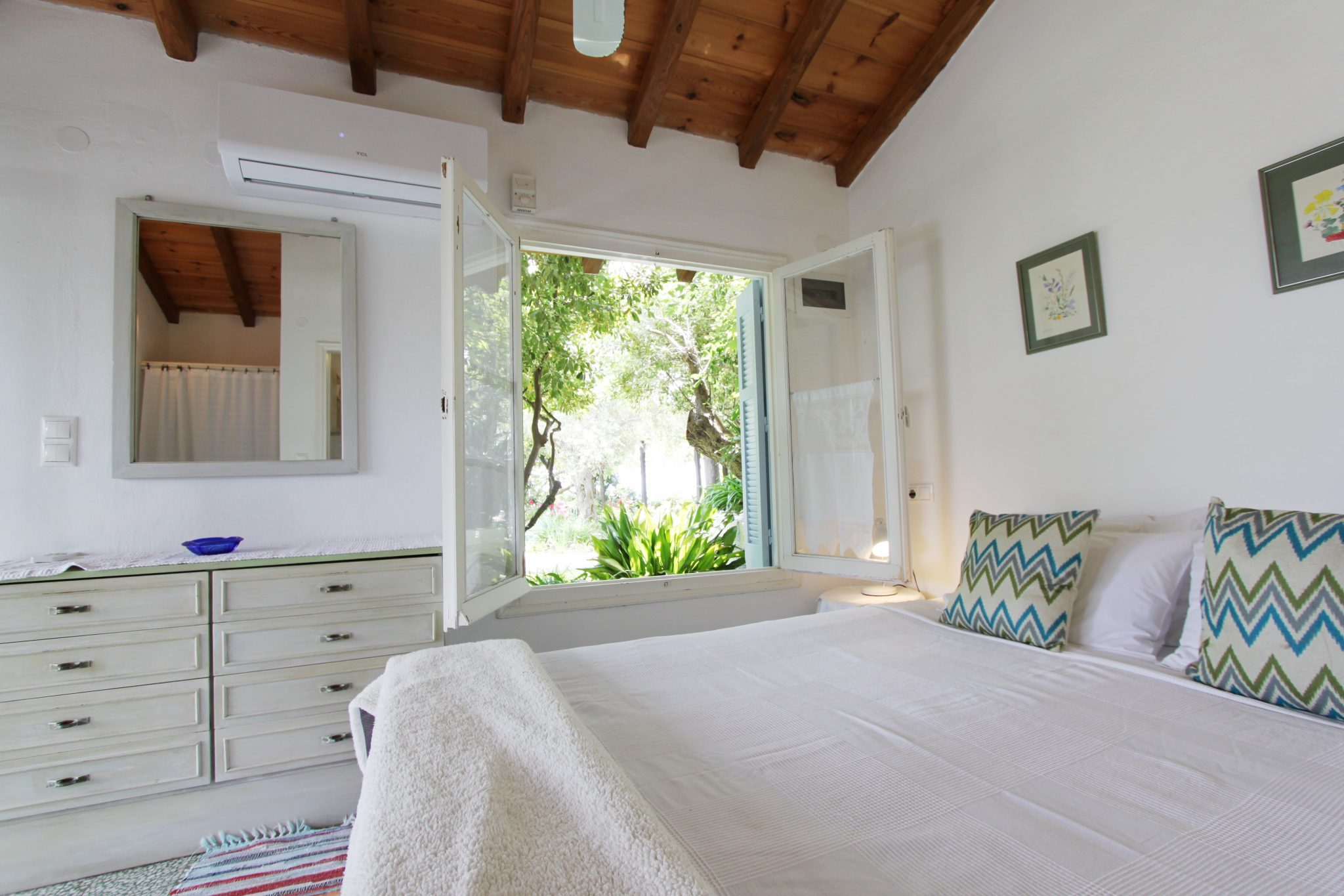 Pinetree bedroom 4